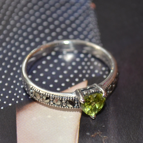 heart moon.peridot